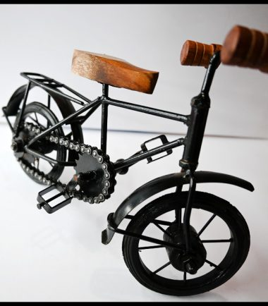Iron Metal Toy Cycle With Real Chain And Working Wheel