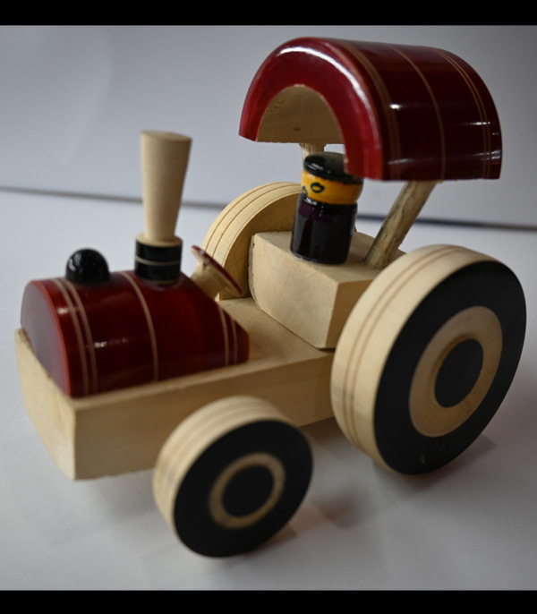 Wooden Toys For Kid Wooden Tractor With Man Inside Working Wheels